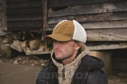 W/E DUE NORTH FAUX SHEEPSKIN KLOBUK